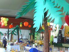 Fiesta Tropical, decoracion y ambientacion de fiestas y eventos.  #fiestatematica #fiestatropical #fiestaplayera #juegosdedestreza #kermese #juegos