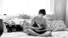 """""""Breast-feeding selfies, portraits, let new moms flaunt nursing pride"""" on """"Today Parents"""" by Wendy Grossman Kantor Nice article about breastfeeding selfies and photos. Nursing Photography, Photography Ideas, Breastfeeding And Pumping, Newborn Pictures, Baby Photos, Icu Nurse Humor, Student Stress, Bebe, New Moms"""