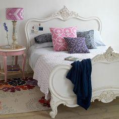 Móveis Antigos Pintados - *Decoração e Invenção* Pink Bedroom Decor, Master Bedroom Interior, Pink Bedrooms, Modern Bedroom Design, Bedroom Colors, Dream Bedroom, Girls Bedroom, Bedroom Ideas, Bedroom Designs