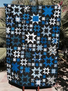 Oh My Stars Quilt along with blue/black fabric. Star Quilt Blocks, Star Quilts, Scrappy Quilts, Black And White Quilts, Black Quilt, Handmade Quilts For Sale, Patchwork Quilt Patterns, Summer Quilts, Patriotic Quilts