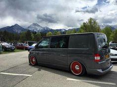 Vw T5, Vw T4 Transporter, Volkswagen, T5 Camper, Cool Vans, Porsche, Black Wheels, Custom Vans, Car Manufacturers
