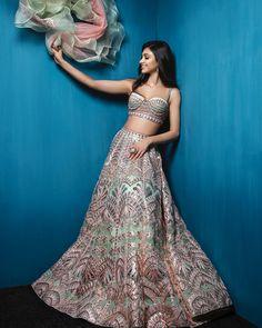 Gota Patti/ lehenga/ bride/ bridal/ bridal lehenga/ gota patti lehenga/ bridestyle/ style/ bride goals/ shaadisaga/ shaadi saga/ twirling/ wedding outfit/ weddinginspo/ wedding inspiration/ brides of india/ ethnic wear/ dupatta Indian Bridal Wear, Indian Wedding Outfits, Bridal Outfits, Indian Outfits, Bridal Dresses, Indian Wear, Pakistani Bridal, Indian Clothes, Indian Style