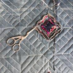 Chenille Quilt, Rag Quilt, Quilt Blocks, Textiles, Fabric Manipulation, Pattern Making, Fashion Details, Textile Art, Fiber Art