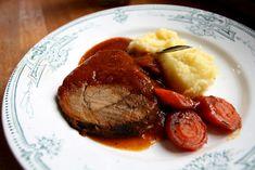 Kančí kýta na černém pivu Pot Roast, Steak, Ethnic Recipes, Food, Carne Asada, Roast Beef, Essen, Steaks, Meals