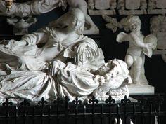 Beaux arts (sculpture): Le mausolée de Maarten tromp réalisé en 1654 par Rombout Verhulst. Les personnages de marbres entrent dans une composition enchanteresse et les détails sont nombreux, fins et se fondent dans les personnages, leur donnant presque la vie.