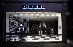 Diesel #visualmerchandising #vm #elementaldesign #windowdisplay #shopwindow #retaildesign #designagency #shop #visual #fashion #diesel