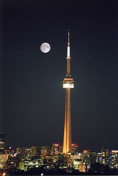 CN Tower in Toronto, Ontario, Canada Oh The Places You'll Go, Great Places, Places To Travel, Places Ive Been, Beautiful Places, Amazing Places, Beautiful Moon, Wonderful Places, Canada Eh