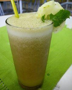 Receita de suco para deixar a barriga sequinha: http://www.blogbarradecereal.com.br/aprenda-a-fazer-um-suco-para-a-barriga-ficar-sequinha-2/