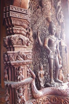 Indian Temple Architecture, India Architecture, Ancient Architecture, Temple India, Hindu Temple, Indian Inspired Decor, Apocalypse Art, Shiva Statue, Indian Folk Art