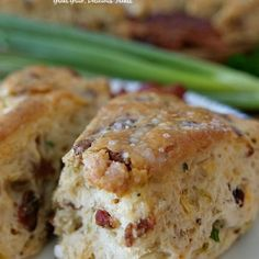 Cheesy Bacon Green Onion Scones - Savory scones recipe is loaded with bacon, cheese, green onions, seasoned perfectly, baked and brushed with garlic butter. Bacon Recipes, Cooking Recipes, Steak Recipes, Copycat Recipes, Crockpot Recipes, Fresh Peach Cobbler, Peach Crisp, Blackberry Cobbler, Pecan Cobbler