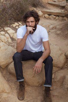 Classic Americana looks, White tee shirt, raw demin, boots, men with beards. Mens Fashion.