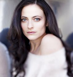 Lara Pulver. The woman. Sometimes I wonder why I even fantasize about Benedict. Haha. She's gorgeous! ;P