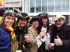 Shari Christophe @sharichristophe  Mansluuj in de Zoepkoel! 3 Jeff Spermo's, Harry en Paul twitpic.com/8ljjmo