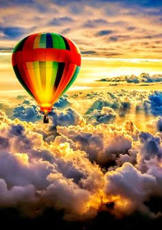 Ride in a hot air ballon! Beautiful Places To Travel, Beautiful World, Amazing Places, Pretty Pictures, Cool Photos, Air Balloon Rides, Hot Air Balloons, Balloon Clouds, Air Ballon
