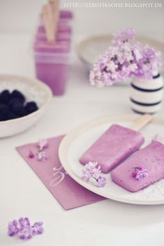 butiksofie: We love Food Teil 3 (Salat und homemade Beeren-Flieder Eis in Radiant Orchid...)