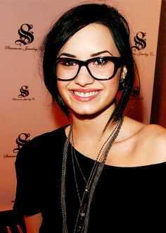 Black Frame Glasses Celebrities Wear : 1000+ images about Eye Glasses on Pinterest Eye glasses ...