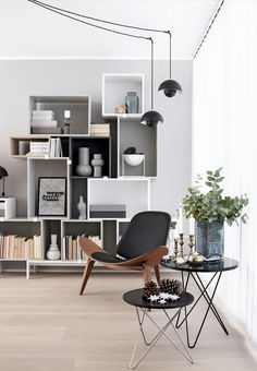 30 Stunning Scandinavian Design Interiors - BelivinDesign https://spaacio.myshopify.com/collections/sillas/products/silla-replica-shell
