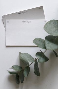 Torkkuja ja nokkosia -bloggaaja löysi täydellisen valkoisen Tunne Väri -kartasta. #tikkurila #tunneväri #paperi #f497 #höyhen #f487 #valkoinen Grey Walls, Color Schemes, Colours, Interior Design, Bedroom, Wallpaper, Painting, Inspiration, Home