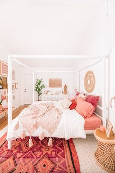 Home Decor Living Room .Home Decor Living Room Cute Dorm Rooms, Cool Rooms, My New Room, Home Decor Bedroom, Bedroom Ideas, Decor Room, Bedroom Boys, Trendy Bedroom, Coral Room Decor