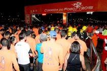 Cinco mil pessoas participam da Corrida do Fogo - http://noticiasembrasilia.com.br/noticias-distrito-federal-cidade-brasilia/2015/08/01/cinco-mil-pessoas-participam-da-corrida-do-fogo/