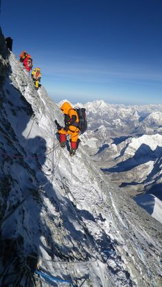 Everest - At on the rock traverse to the final summit ridge Ice Climbing, Mountain Climbing, Alpine Climbing, Mount Everest, Climbing Everest, Zhangjiajie, Glacier, Escalade, Top Of The World