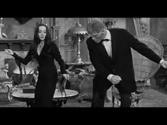 Transylvania Twist by Baron Daemon and the Vampires (1963) – Vintage Halloween Music - YouTube Los Addams, Addams Family Morticia, The Addams Family 1964, Addams Family Tv Show, Adams Family, Halloween Playlist, Halloween Songs, Halloween Treats, Lionel Richie