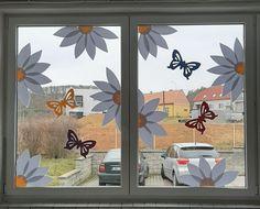 Classroom Window Decorations, Classroom Wall Decor, Classroom Walls, School Decorations, Spring Crafts For Kids, Art For Kids, Painting Crafts For Kids, Class Decoration, Window Art