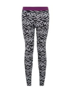 Make your work out wardrobe stand out with these Zig Zag Print Sports Leggings. £12.99 #newlooksport #sportswear