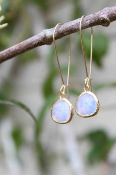 Moonstone Would LOVE some earrings like this!