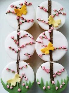 Beautiful cupcake designs by The Little Salmons Bakery. Iced Cookies, Royal Icing Cookies, Cupcake Cookies, Spring Cupcakes, Fun Cupcakes, Pretty Cupcakes, Cupcakes Design, Blossom Cookies, Flower Cookies