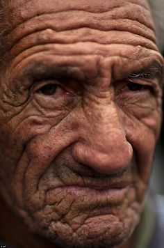 The old men and the sea: Stunning photographs of the fishermen who have spent… We Are The World, People Around The World, Old Age Makeup, Old Man Face, A Wrinkle In Time, Old Faces, Portraits, Interesting Faces, Old Men