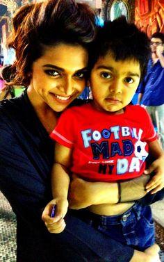 Deepika Padukone FC on Bollywood Photos, Bollywood Saree, Bollywood Actors, Bollywood Fashion, Parneeti Chopra, Deeps, Dipika Padukone, Deepika Padukone Style, Ranveer Singh