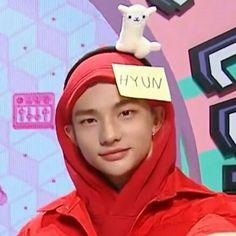 "hyunjin pics on Twitter: ""devastated… "" K Pop, Funny Kpop Memes, Kid Memes, Felix Stray Kids, Kids Icon, Losing A Child, Crazy Kids, Kids Wallpaper, Oui Oui"
