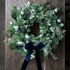 Philippa Craddock DIY Christmas wreath is a craft sensation DIY a gorgeous fresh wreath with these kits from Selfridges' florist Philippa Craddock. They're available in two designs – Wintry Blue and Woodland Red Christmas Wreaths For Windows, Christmas Flowers, Gold Christmas, Holiday Wreaths, Rustic Christmas, Christmas Time, Christmas Crafts, Fresh Wreath, Fleurs Diy
