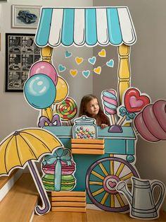 Birthday Backdrop, Birthday Decorations, 1 Year Birthday, Booth Decor, Exhibition Booth, Scenic Design, Kid Spaces, Preschool Activities, Art Education