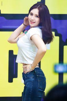 Jeon Somi ( 전소미 ) Best Photos Collection - The K-Pop Chart Pretty Korean Girls, Korean Beauty Girls, Cute Korean Girl, Cute Asian Girls, Beauty Full Girl, Beautiful Asian Girls, Asian Beauty, Kpop Girl Groups, Korean Girl Groups