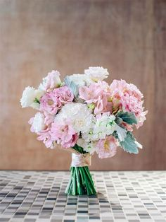 Pin By Wilma Aracely On Arreglos Florales | Flower Carnation Bridal Bouquet, Carnation Centerpieces, Carnation Wedding, Lilac Bouquet, Flower Bouquet Wedding, Bridesmaid Bouquet, Carnations, Wedding Centerpieces, Bridal Bouquets