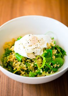 poached egg, quinoa, miners lettuce and fines herbs recipe | Wrightfood