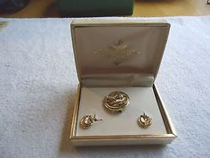 """Vintage Jewelry Set In Box,1,Acorn Pin,PairOf Ear Rings """" BEAUTIFUL SET """" #vintage #collectibles #womensclothing #clothing"""