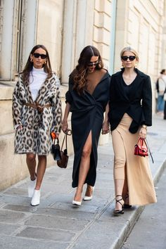 Street style à la Fashion Week printemps-été 2019 de Paris © Sandra Semburg