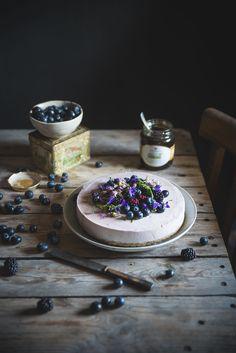Cheesecake al miele, mirtilli e more-Honey cheesecake with blueberries and blackberries - Frames of sugar-Fotogrammi di zucchero