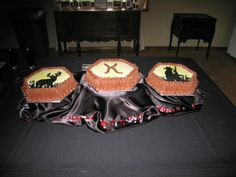 Hunting themed groom's cake.
