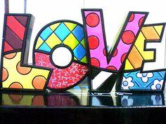 Romero Britto Sensitiva Brasil tem os exemplares Britto Collection a pronta entrega no Brasil acesse agora na Like Store no Facebook http://www.facebook.com/SensitivaBrasil?sk=app_206803572685797