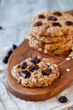 Flourless Peanut Butter Oatmeal Chocolate Chip Cookies Domestic Fits - Cooking, Baking, Parties and all Other Fits of Domestic Life Peanut Butter Oatmeal, Oatmeal Chocolate Chip Cookies, Chocolate Chips, Yummy Treats, Sweet Treats, Yummy Food, Tasty, Gluten Free Desserts, Dairy Free Recipes