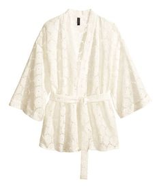 My fave S/S 2014 trend is the KIMONO! A KIMONO for every woman's individual style is up on chic.