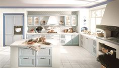 Mutfakta farklı etkiler - HOME SHOWROOM Klasikten moderne uzanan geniş bir çizgide mutfak tasarımları geliştiren Lineadecor; bu mekana işlevselliğin ve ergonominin yanı sıra zarif, etkileyici, şık çizgilerle tanımlanmış değişik duyguları da konuk ediyor.