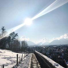 Wenn die Sonne in Salzburg gerade nicht scheint dann tut sie das eben auf Instagram... ;) . #salzburg #latergram #igerssalzburg #sunnyday #winterday #walk #mönchsberg Salzburg, Mountains, Instagram, Nature, Travel, Sun, Naturaleza, Viajes, Destinations