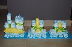 pampertaart met 32 pampers, fopspeen, bodylotion, wasgel, vochtige doekjes
