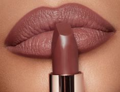 Hot deal alert: This universally flattering lipstick sells every two minutes—and it's on sale Lipstick For Dark Skin, Lipstick Shades, Fall Lipstick Colors, Neutral Lipstick, Natural Lip Colors, Natural Lips, Natural Makeup, Skin Makeup, Beauty Makeup