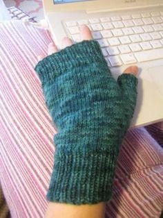 Fingerless Gloves Pattern   needyl